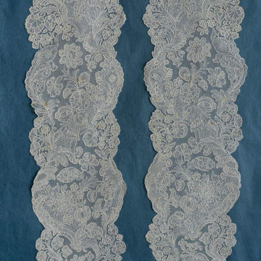 Pair of 18th Century Brussels Bobbin Lace Lappets