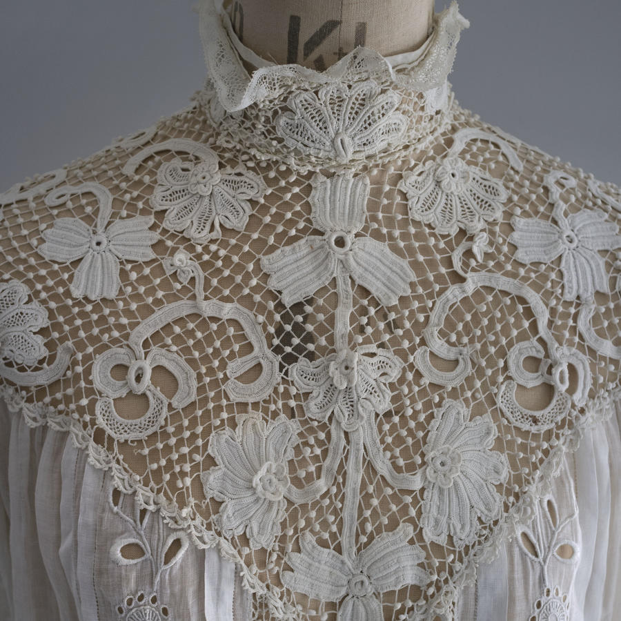 Irish Crochet Lace Embroidered Cotton Lawn Blouse circa 1905