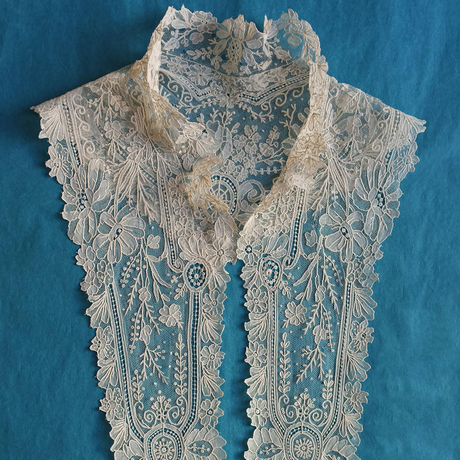 Brussels Point de Gaze Lace Collar / Dress Front circa 1875