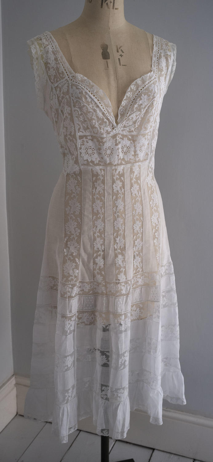 French Fine Cotton Lawn and Valenciennes Lace Under-slip, circa 1905