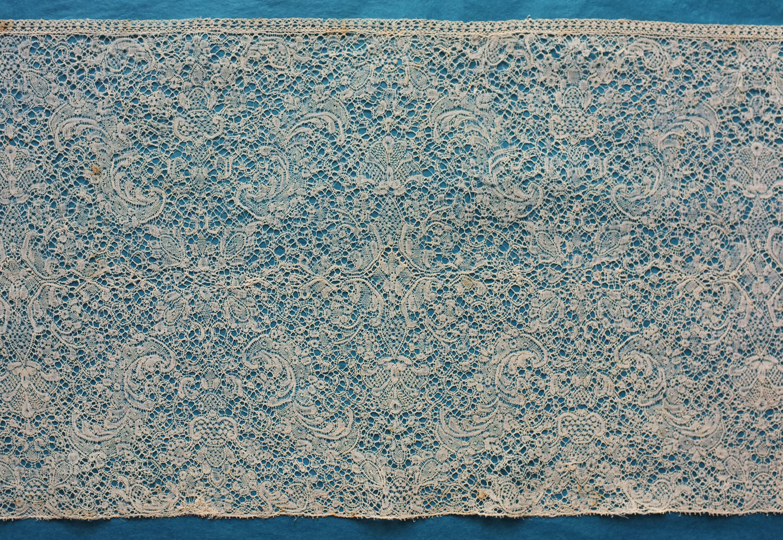 18th Century Binche Bobbin Lace Flounce