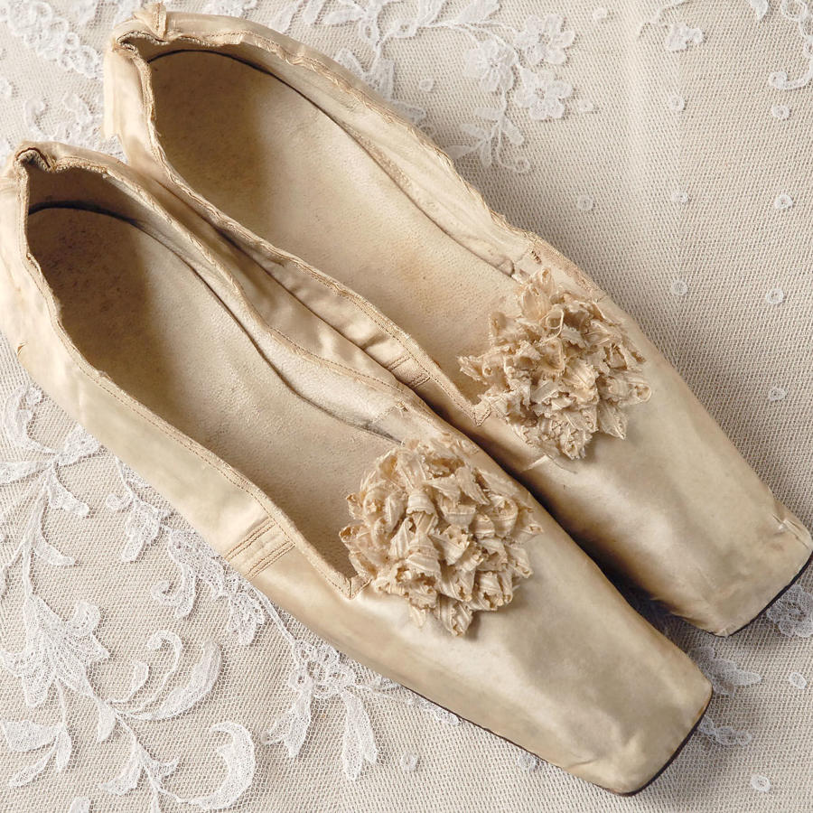 Pair of Cream Silk Pumps with Ribbon Rosette circa 1840