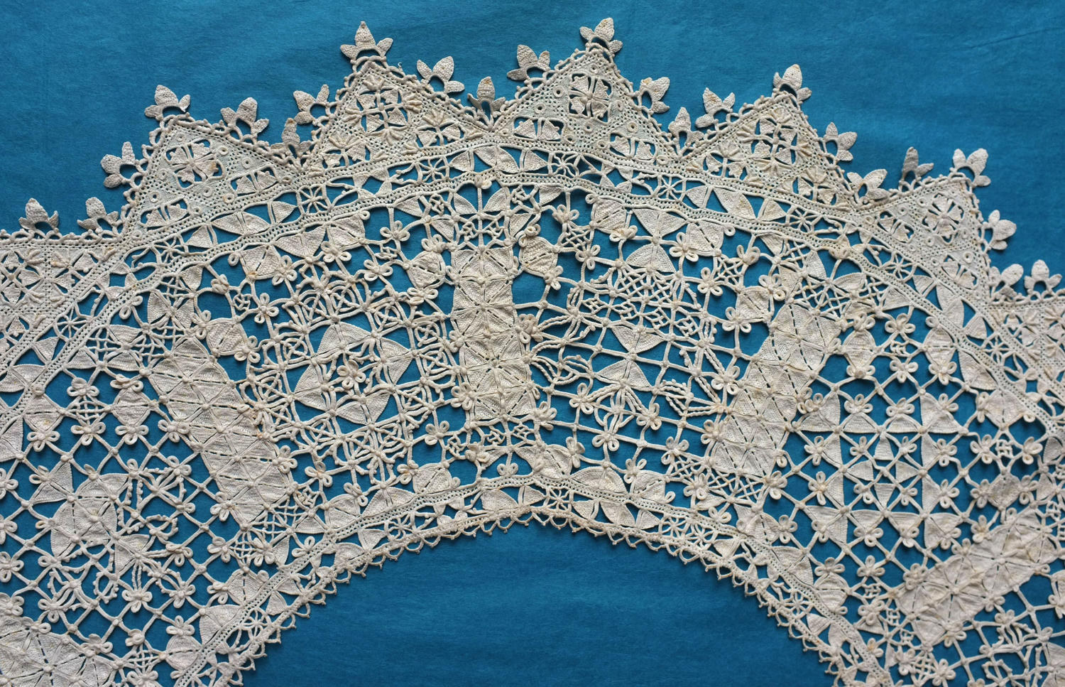 19th Century Needle Lace Collar with Royal Provenance