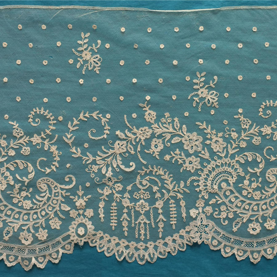 19th Century Brussels Applique Lace Flounce