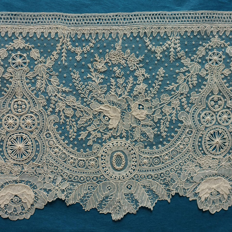 Antique Brussels Point de Gaze Lace Border