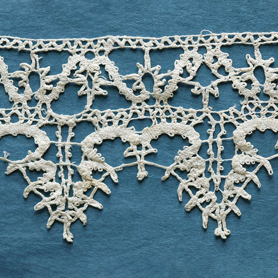 Antique 17th Century Italian Bobbin Lace Border