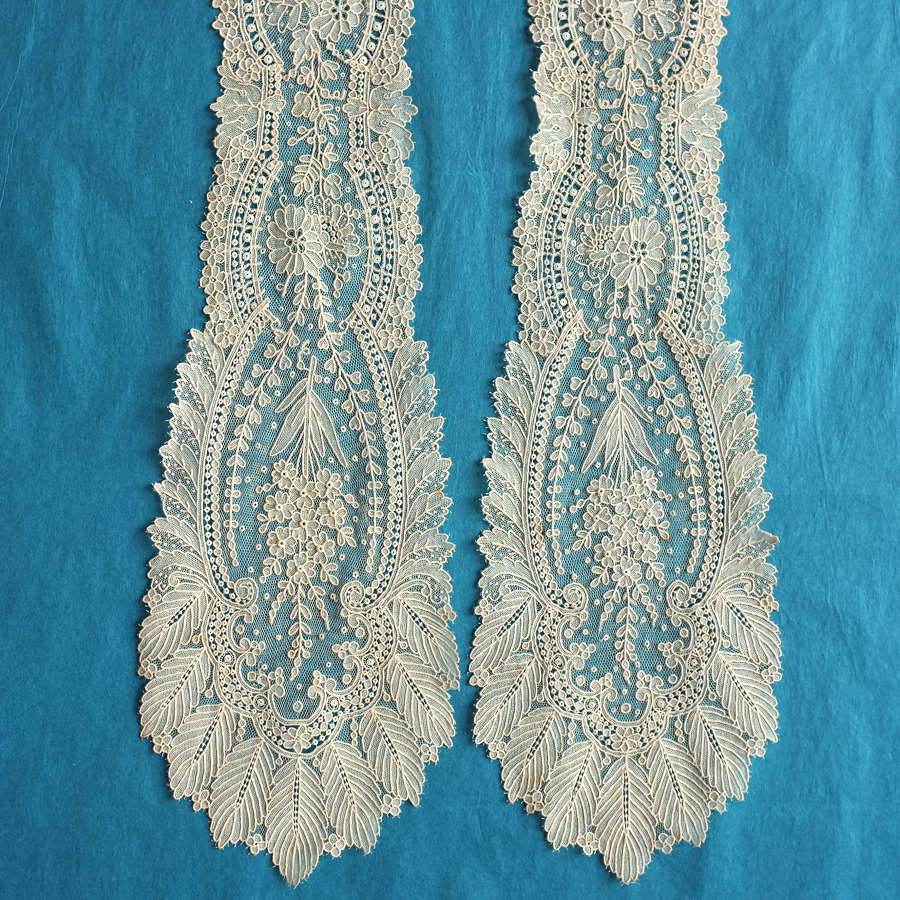 Antique Brussels Point de Gaze Lace Lappet