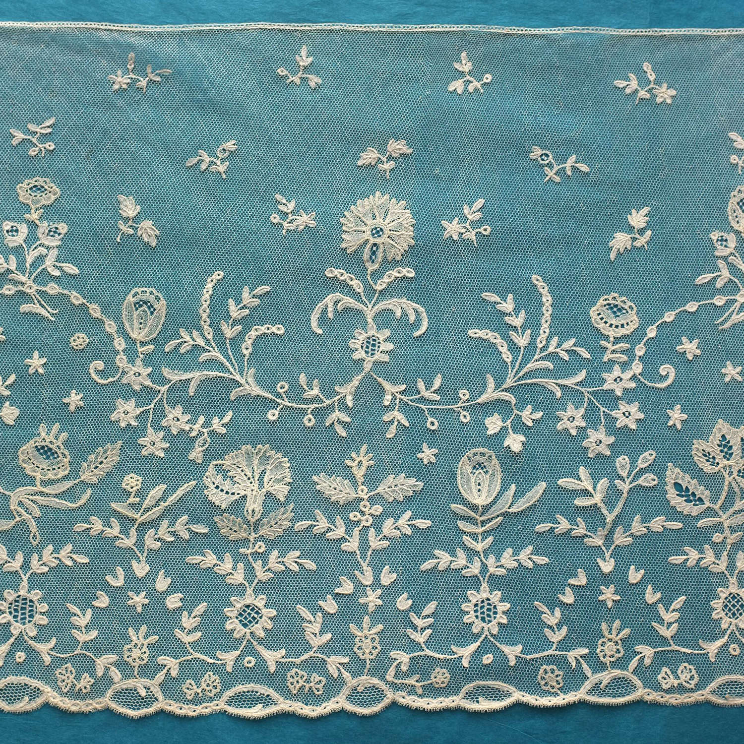 Antique Brussels Bobbin Applique Lace Border, circa 1810-20
