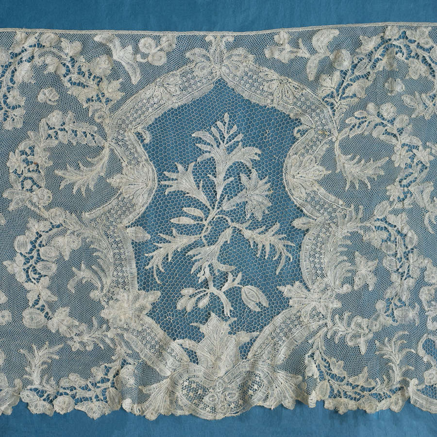 Antique 18th Century Brabant Lace Flounce, circa 1750