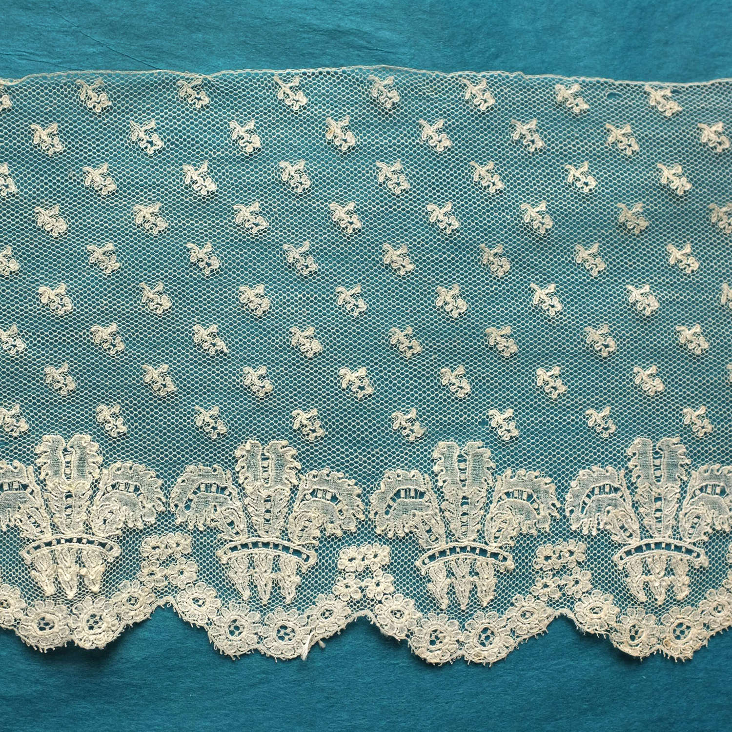 Antique Mechlin Bobbin Lace Border, circa 1820