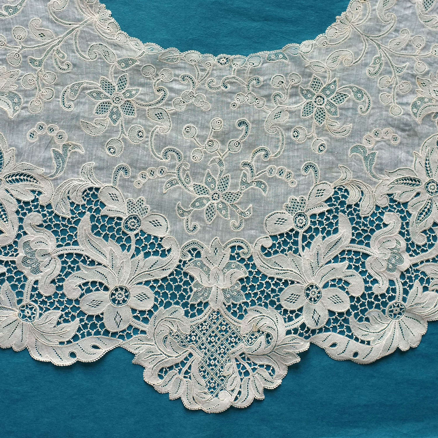 Antique Youghal Needle Lace Collar