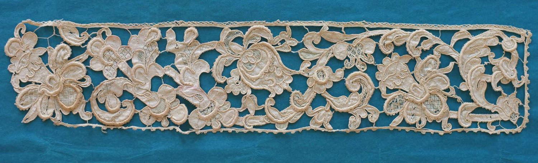 Antique 17th Century Gros Point de Venise Needle Lace