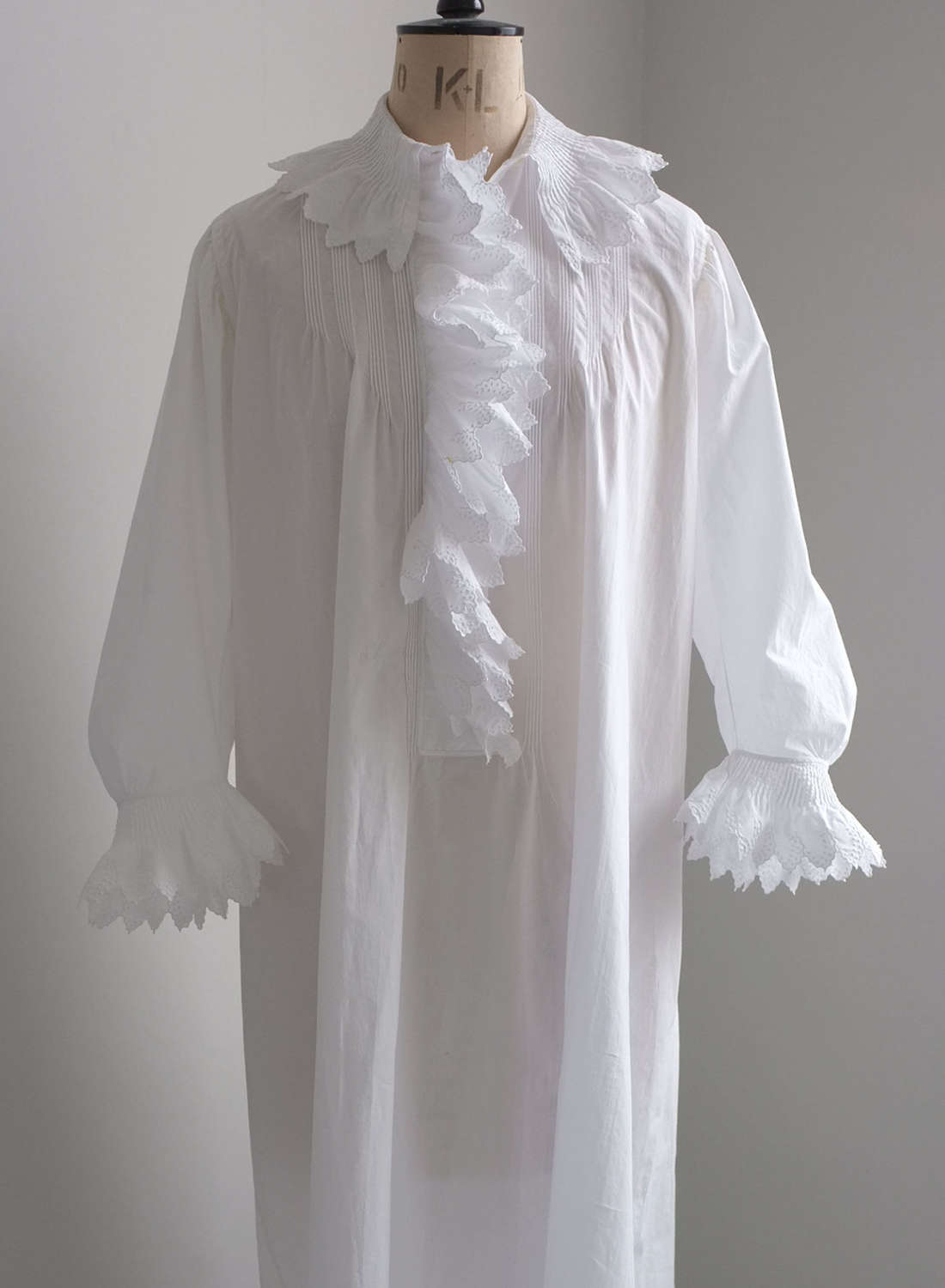 Antique 19th Century French Cotton Nightdress with Pleated Collar