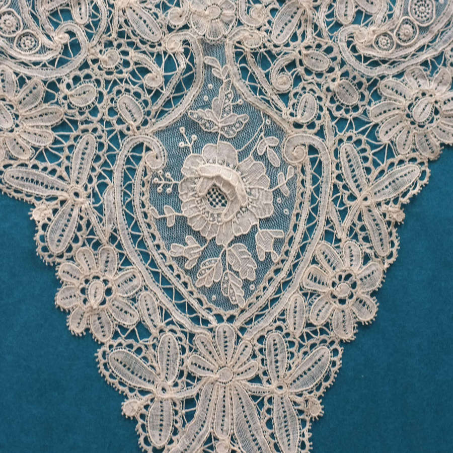 Antique Brussels Duchess And Point de Gaze Lace Collar