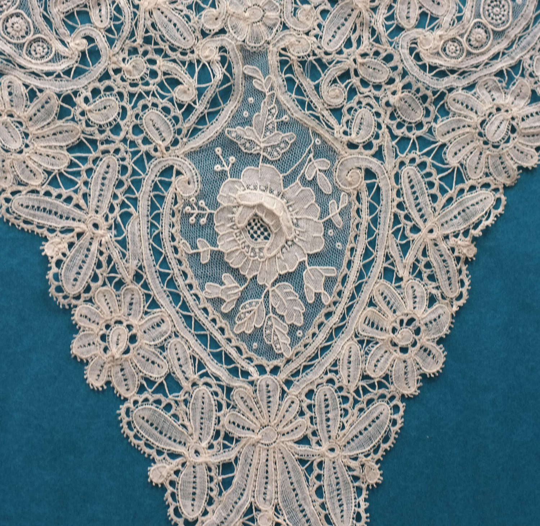 Antique Brussels Duchess And Point de Gaze Lace Collar