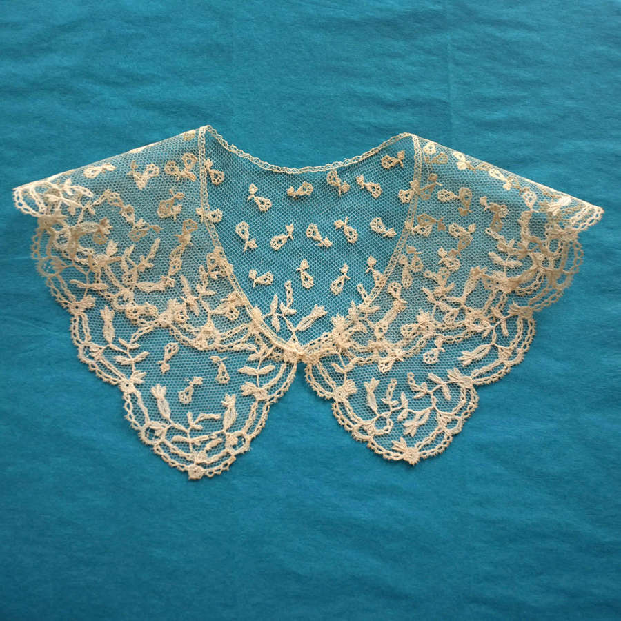Antique 19th Century Sprigged Brussels Applique Lace Collar