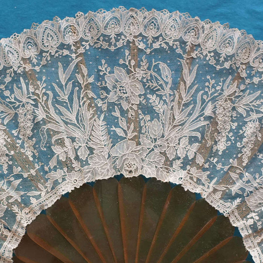 Antique Brussels Point de Gaze Lace Fan