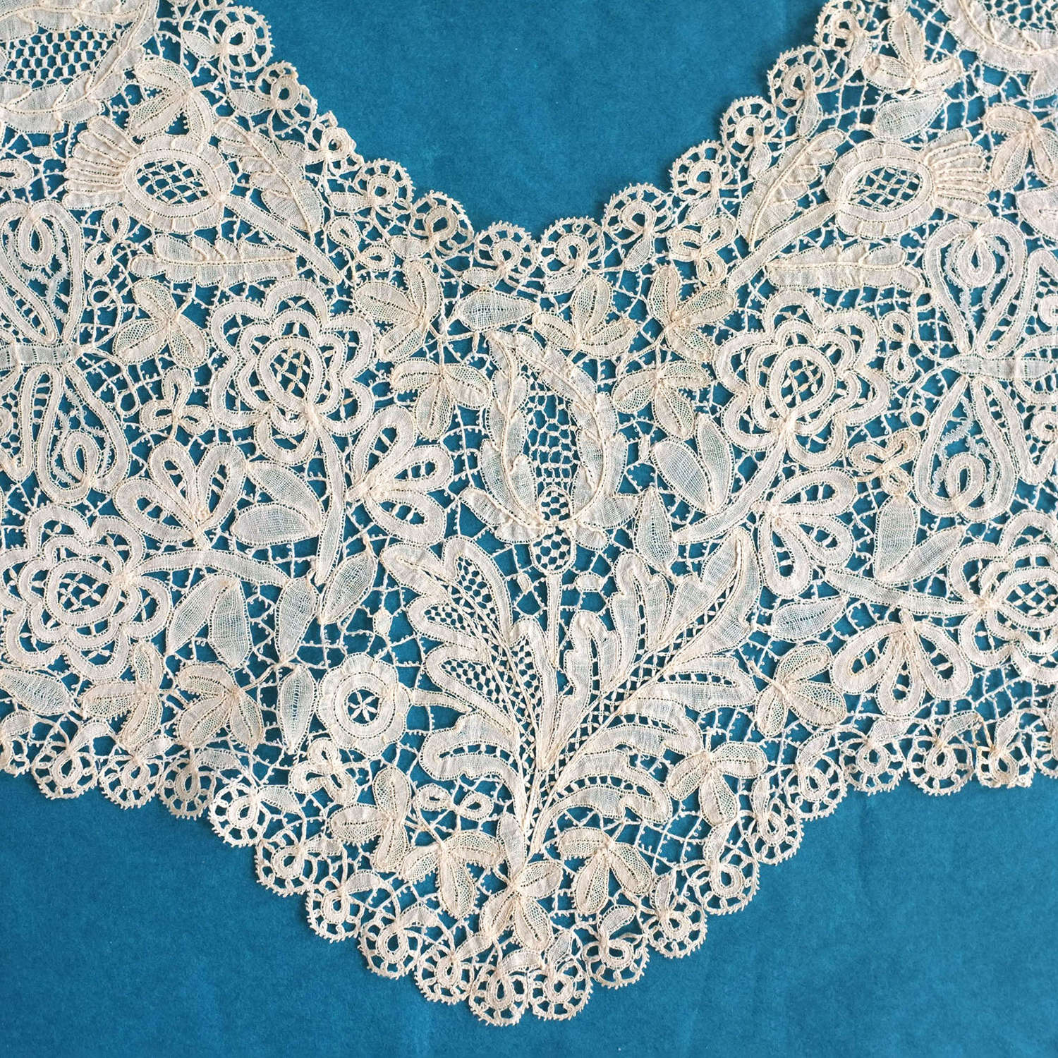 Antique 19th Century Honiton Lace Collar - Thistles & Butterflies