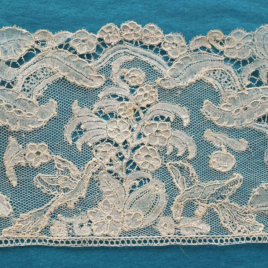 Antique 18th Century Brussels Bobbin Lace Border with Birds